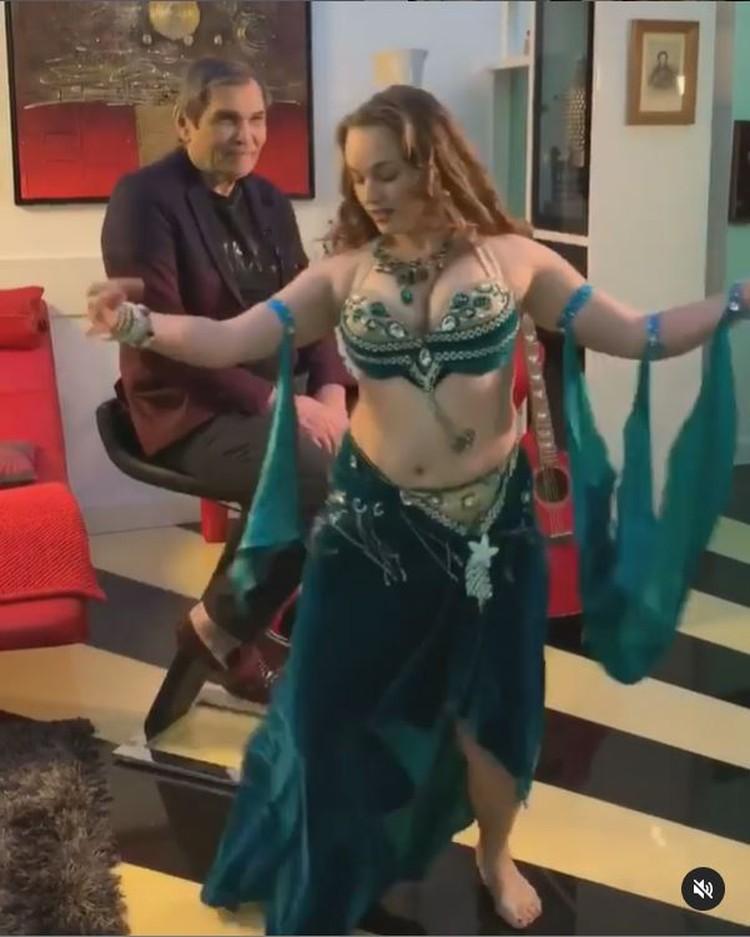 Виктория - женщина многих талантов. Фото: кадр видео.