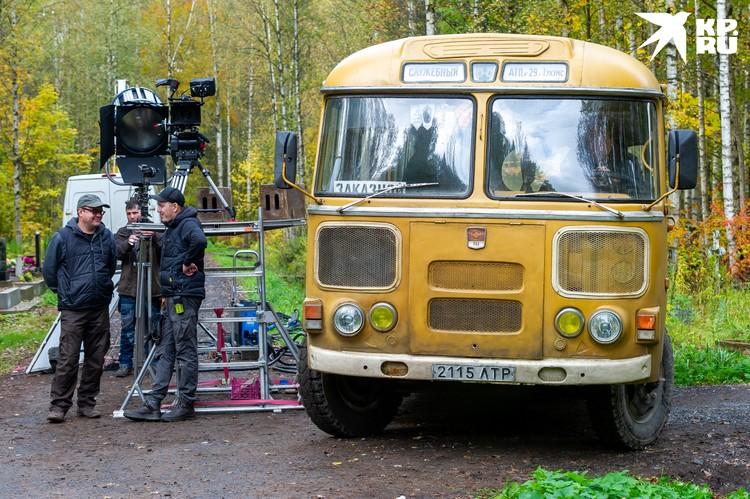 Многие сцены фильма снимали в Ленинградской области.