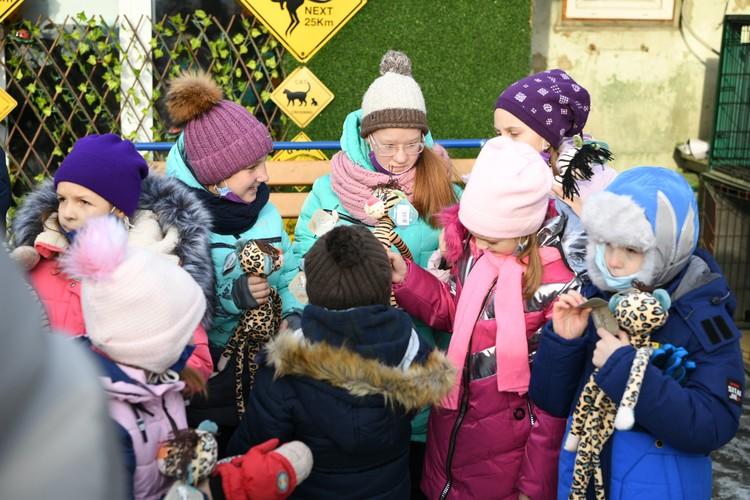 Ребята получили массу впечатлений от экскурсии по приюту Фото: пресс-служба РМК