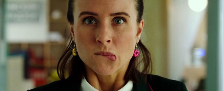 Коварная соблазнительница готова на все, чтобы захомутать мачо-миллионера. Фото: кадр из фильма.