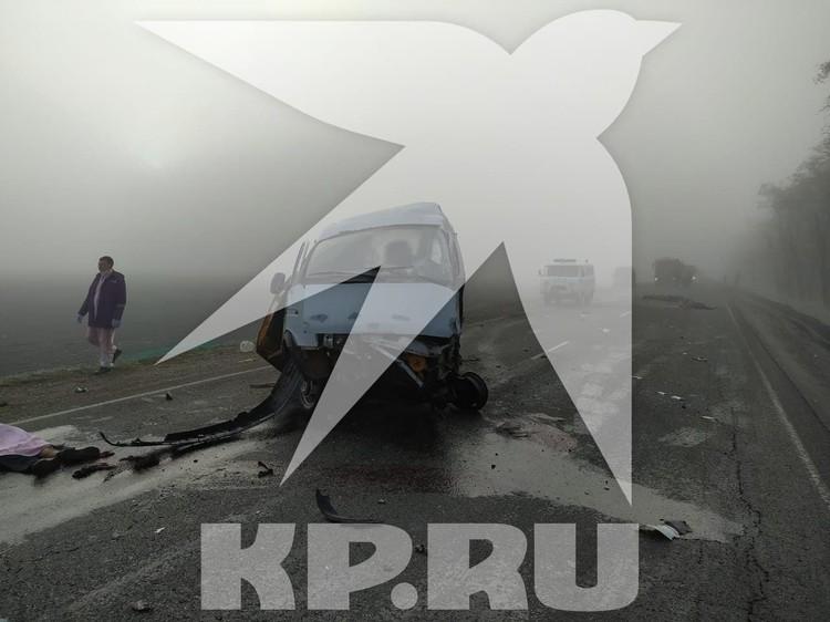 Фото с места аварии с шестью погибшими на Кубани