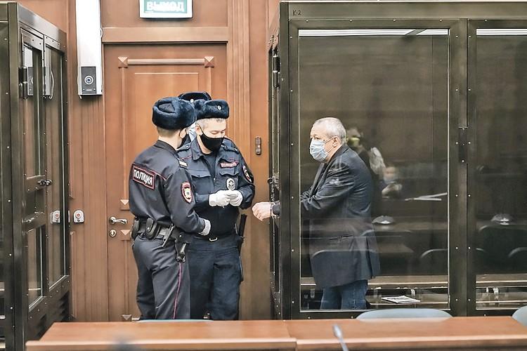 После суда Михаила Ефремова отправили по этапу. Сейчас он на карантине. Фото: АГН «Москва»