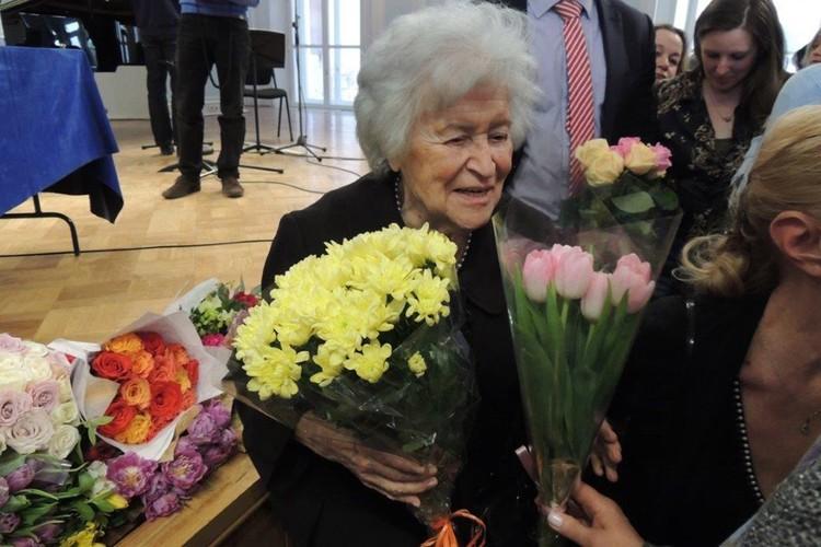 Интересовало Ирину Антонову многое. Она была феноменально образована.