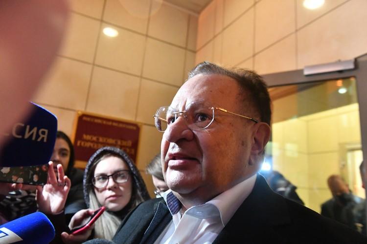 Петр Хархорин негласно считается главным из нескольких защитников Ефремова