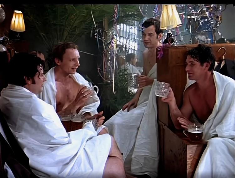 """Сцену в бане хотели вырезать из-за """"пропаганды пьянства"""" Фото: стоп-кадр"""