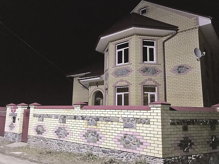 Один из домов, который неожиданно появился у экс-руководителя теплосетей Мурома Васильева. Чудо преобразования!