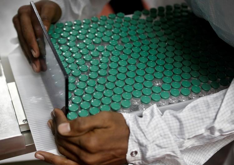 Incluso antes de que comenzara la pandemia, la India representaba alrededor del 60% de la producción mundial de vacunas, incluida la difteria, el tétanos, la tos ferina y el sarampión.