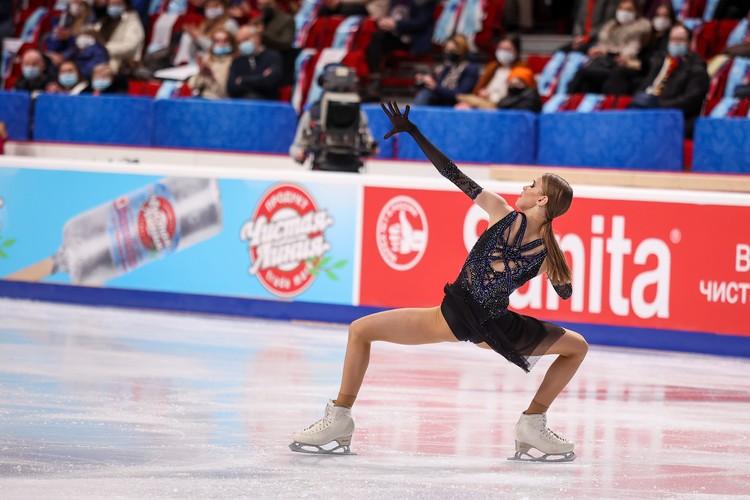 Майя Хромых - еще одна молоденькая участница на взрослом чемпионате