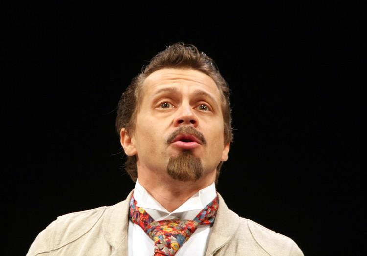 Павел Деревянко в спектакле «Дядя Ваня» в Театре Моссовета