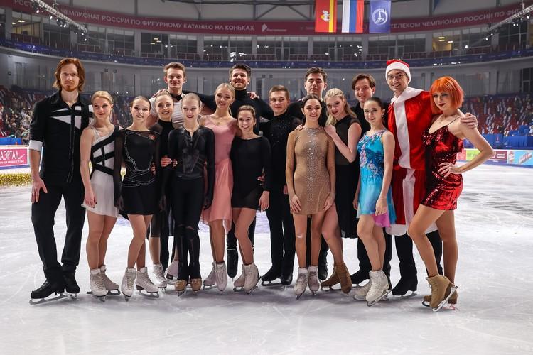 Участники показательных выступлений на чемпионате России 2021.