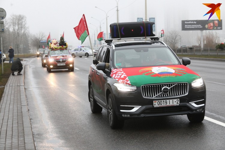 Республиканский автопробег «За единую Беларусь». Минск, проспект Победителей, 19 декабря 2020 года.