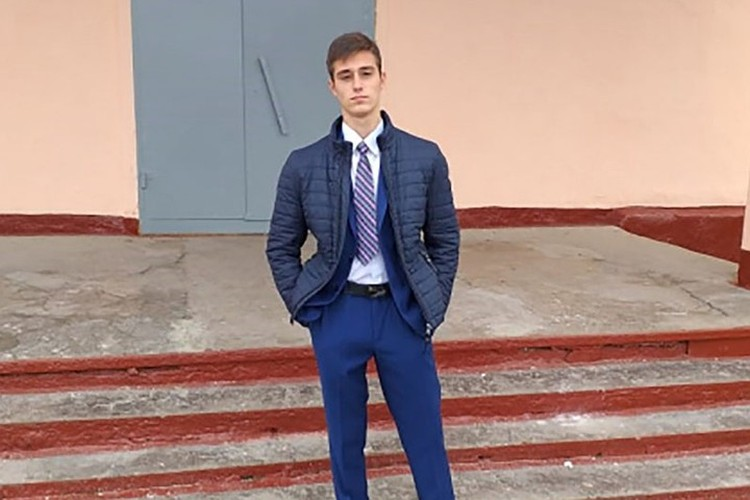 Устинов Сергей