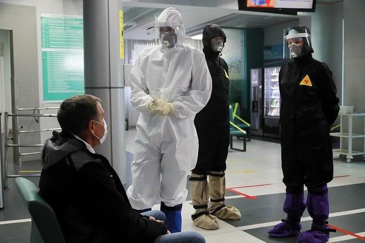 Весь год прошел под знаком пандемии.