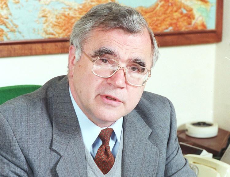 1998 год, Борис Пастухов - министр РФ по делам СНГ. Фото: ТАСС
