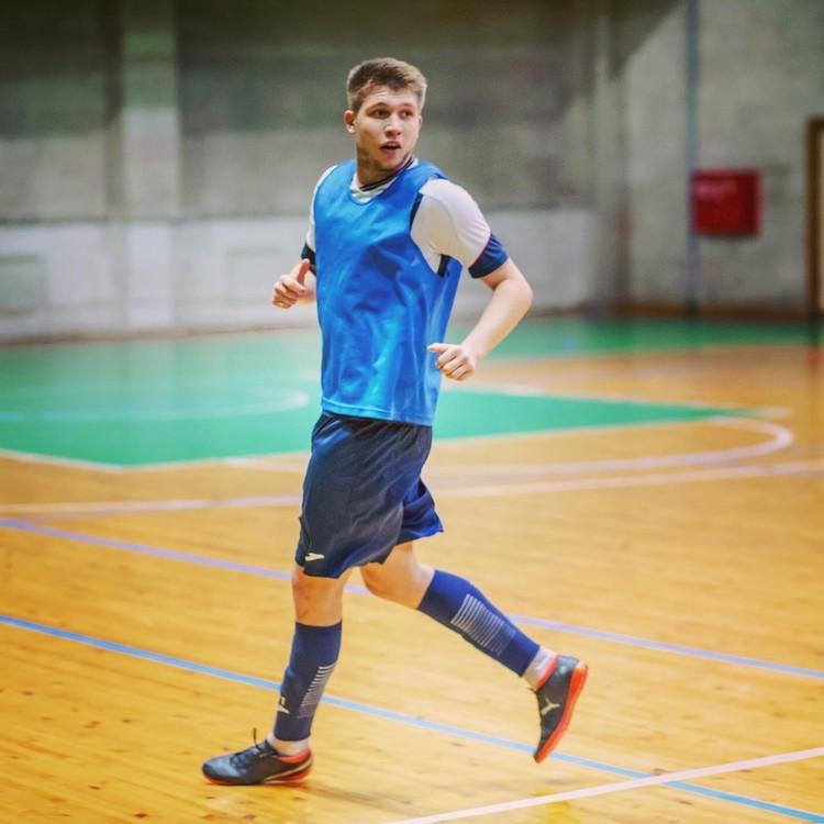 Дробыш был воспитанником омского футбола.