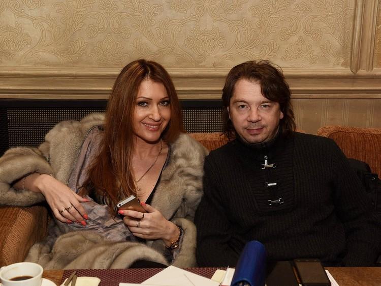 Анжелика Ютт и Владимир Станкевич живут на два города - в Москве и Алуште.