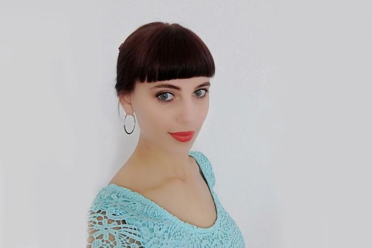 Анна Инишева оказалась в числе обманутых клиентов: ей назначили прием на конец января, но клиники к тому времени уже и след простыл.