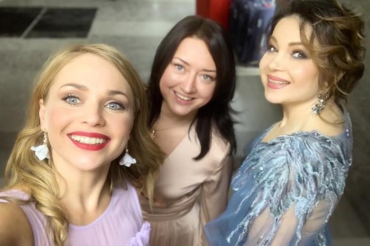 Алена Ланская не только участвовала в ВНС днем, как делегат, но и выступила на концерте вечером, уже как певица. Фото: соцсети.