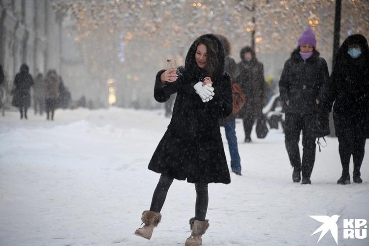 А кто-то рад снегопаду.