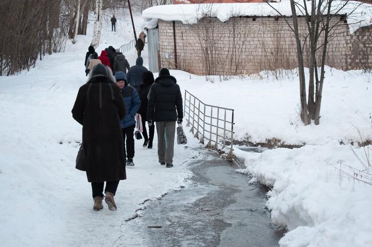По утрам и вечерам по этому участку ходят сотни ижевчан Фото: Анастасия Михайлова