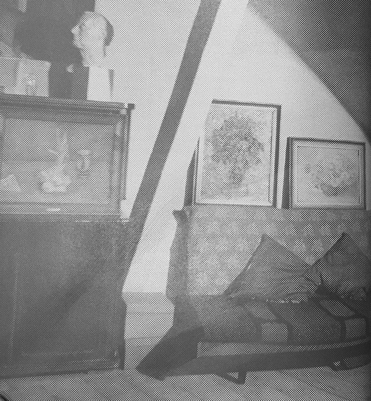Мастерская Роберта Фалька располагалась в центре Москвы, в особняке Перцовой. Здесь Ксения чуствовала себя как дома и с удовольствием лежала на фальковской тахте