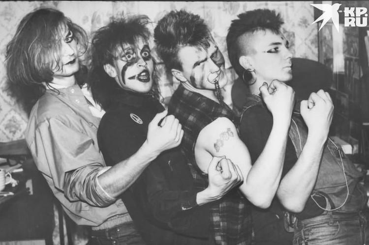 Концерт в Омске в 1986 году (Егор Летов - второй слева). Фото: предоставлено Александром Чиркиным