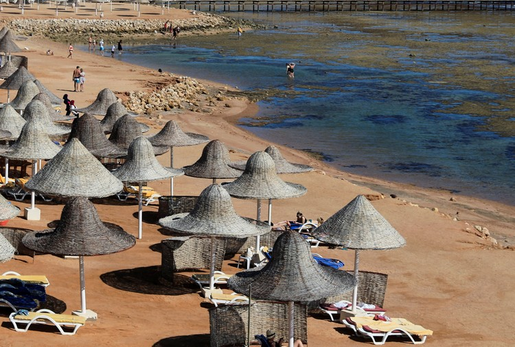 Отели Хургады и Шарм-эль-Шейха заполнены сейчас в лучшем случае на 10 – 15%.