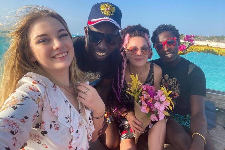 """А так они отмечали день рождения Аллы в Занзибаре. Фото: """"Инстаграм"""" yulia_bekker."""
