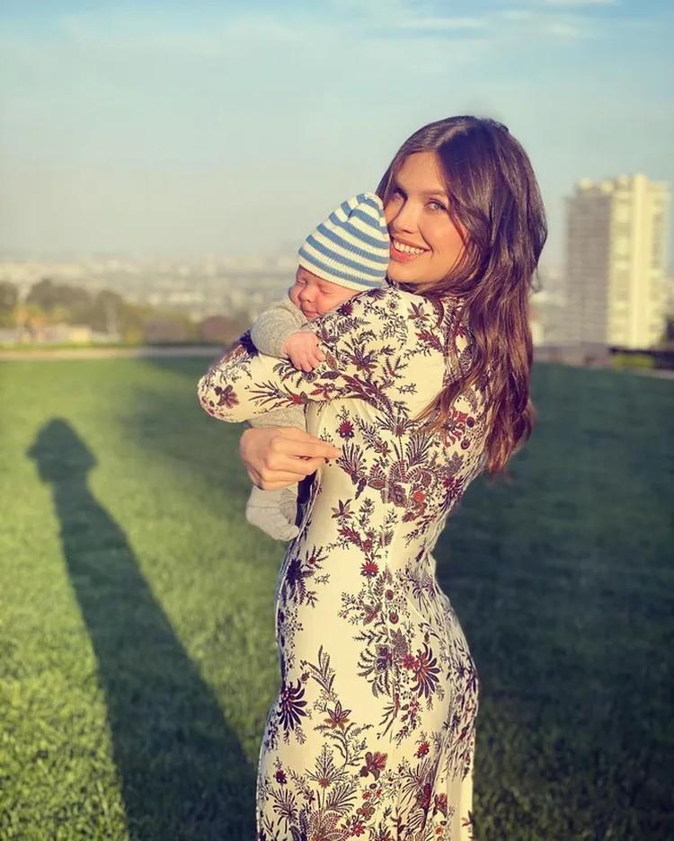 Друг поздравил Дашу с днем рождения и опубликовал ее фото с новорожденным сыном. Фото: Инстаграм.
