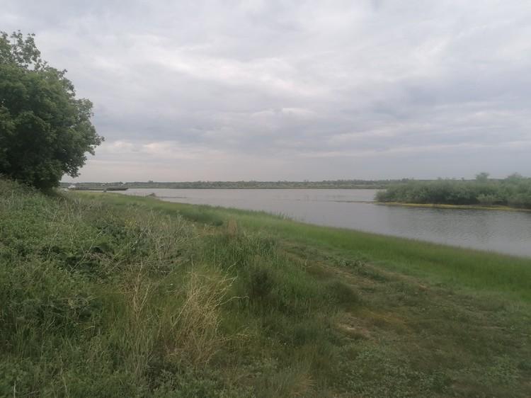 Дом Карасевых расположен в живописном месте, практически на берегу Иртыша.