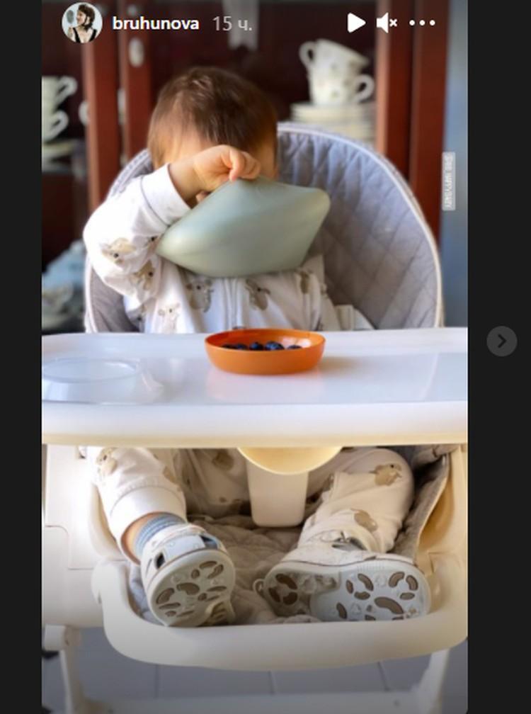 Татьяна выложила в Инстаграме редкое фото малыша.