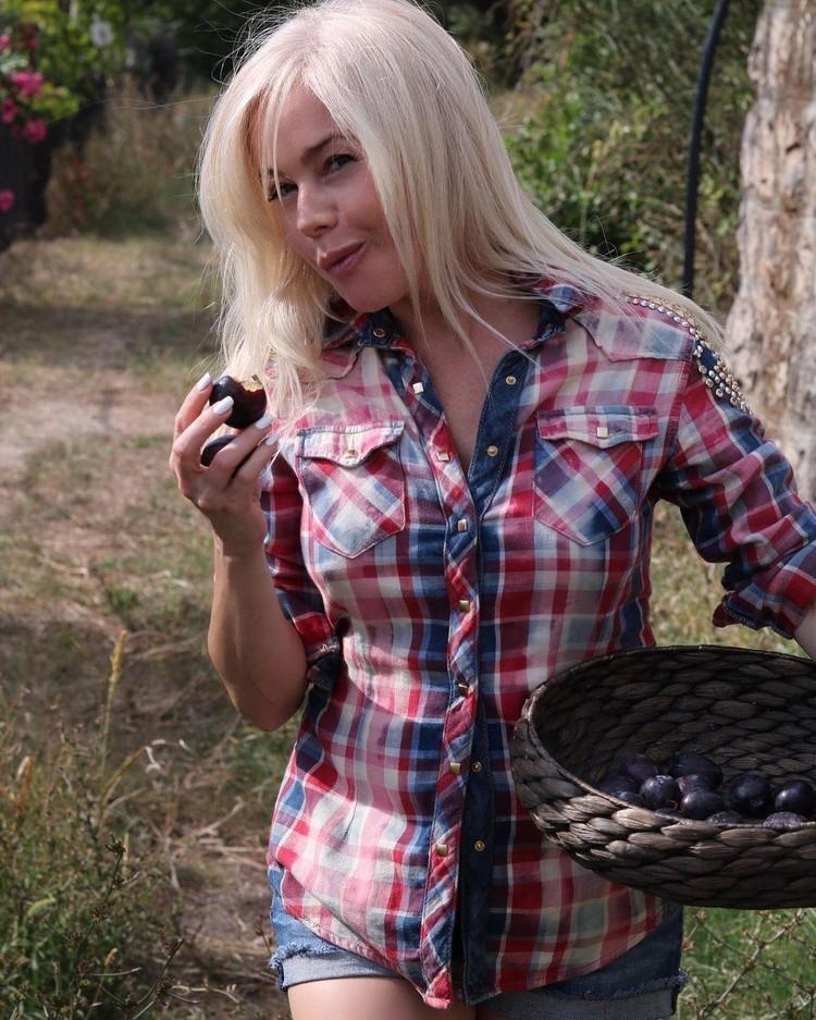 Елена Корикова умело пользуется достижениями инъекционной косметологии