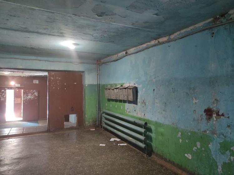Внутри дома, где жил преступник