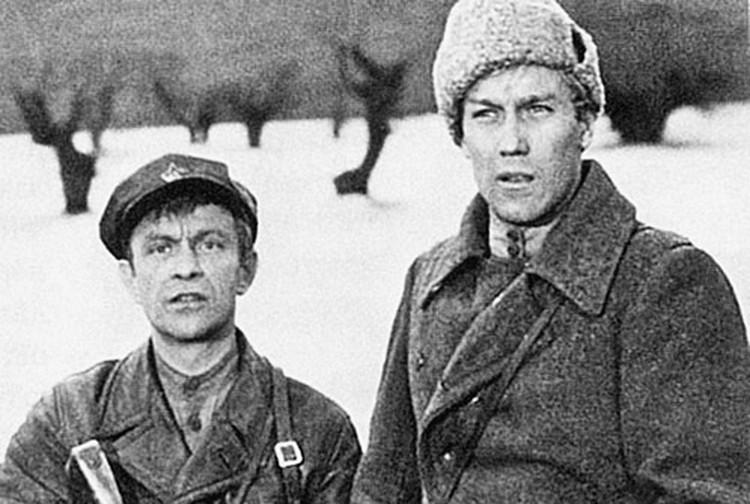 «Служили два товарища». Молчаливость героя Янковского подчеркивала говорливость героя Ролана Быкова.