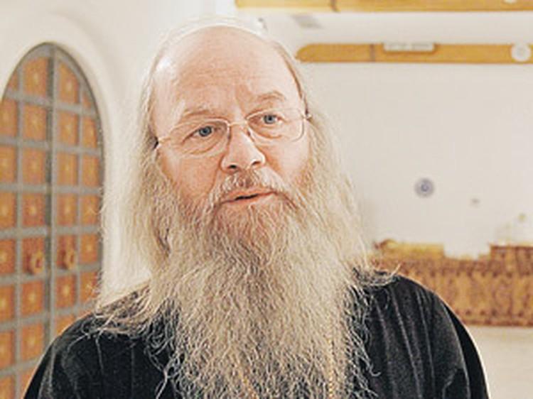 Отец Владимир уверен, что со временем на службах в храме яблоку будет негде упасть.