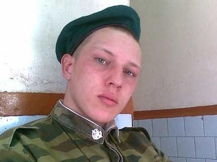 """Автор видео Павел Янковский: """"Нам делать нечего в армии, вот мы и балдеем»"""