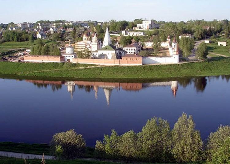 Свято-Успенский монастырь основан в 12 веке