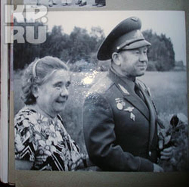 Алексей Леонов с его самой любимой сестрой Раей.
