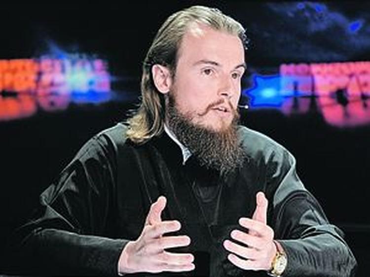 Ректор РПУ игумен Петр (Еремеев) делает ставку на молодежь и Интернет.