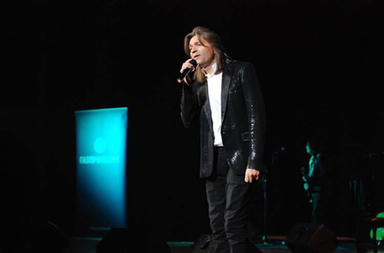 На концерт Дмитрий Маликов спел свой популярные хиты и новые инструментальные композиции.