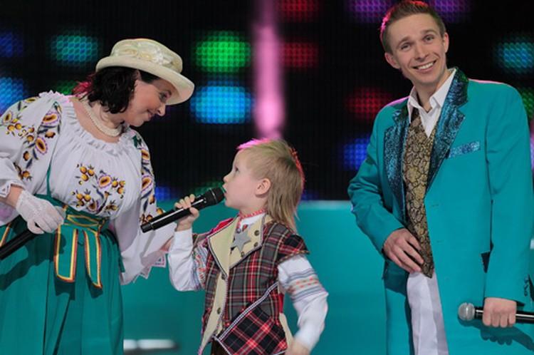 В первом шоу Никита споет с фольк-группой «Неруш».
