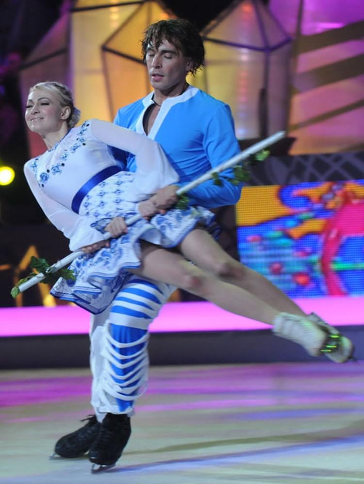 В проекте «Звездный лед» Рудковская участвовала в паре с Русланом Гончаровым.