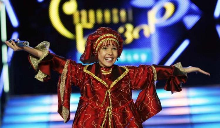 Такой маленькой озорной девчушкой Ксения Ситник полюбилась публике.
