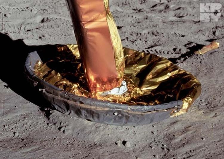 Фото башмака лунного модуля после посадки - ни углубления в грунте, ни пыли. Да и золотистая фольга на нем вызывает улыбку.