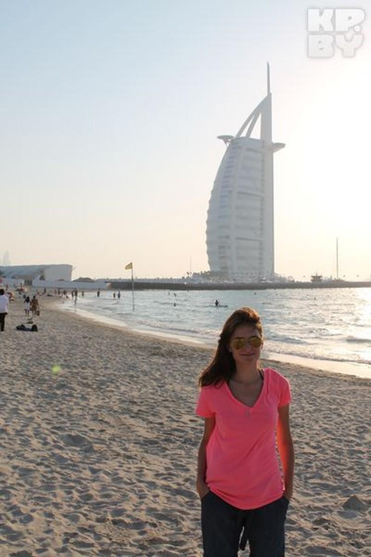 """Рядом с отелем """"Парус"""" фотографируется каждый турист в Дубае"""