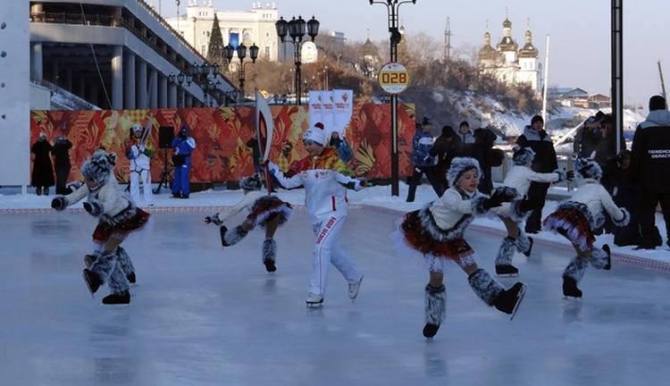 Танец с факелом в исполнении Софьи Летуновской