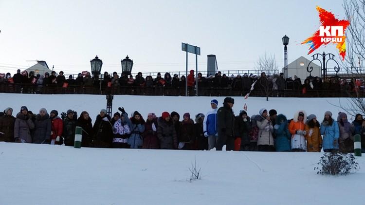 Тысячи тюменцев увидели эстафету Олимпийского огня