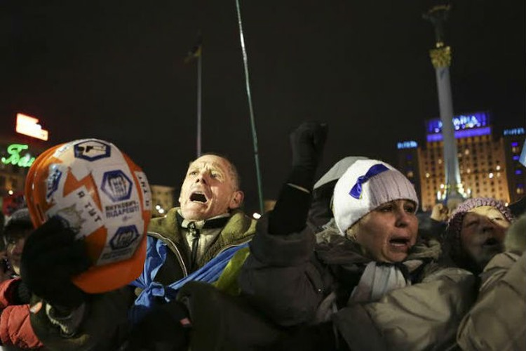 Вечер 17 декабря на Майдане