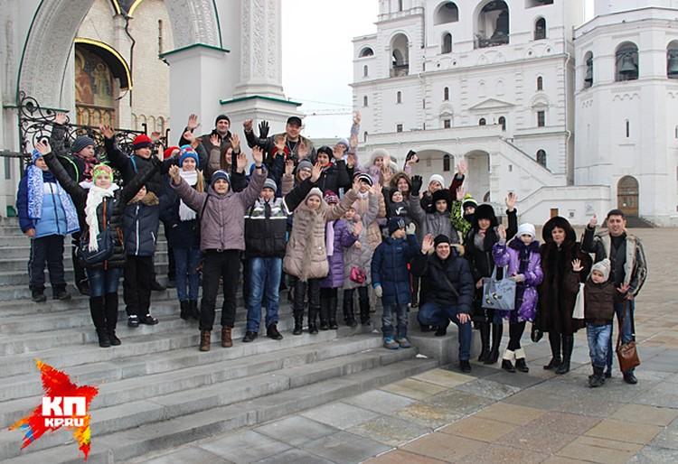 В программу входила прогулка по столице, посещение Храма Христа Спасителя, Кремля и Красной площади, и конечно, знаменитые елки, которые каждый год проводит клуб