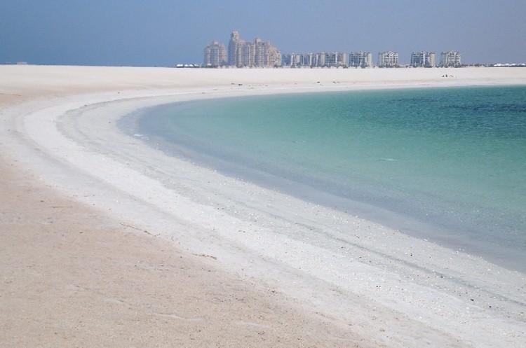 Плюс Рас-аль-Хаймы - немноголюдные, а иногда и просто пустые пляжи.